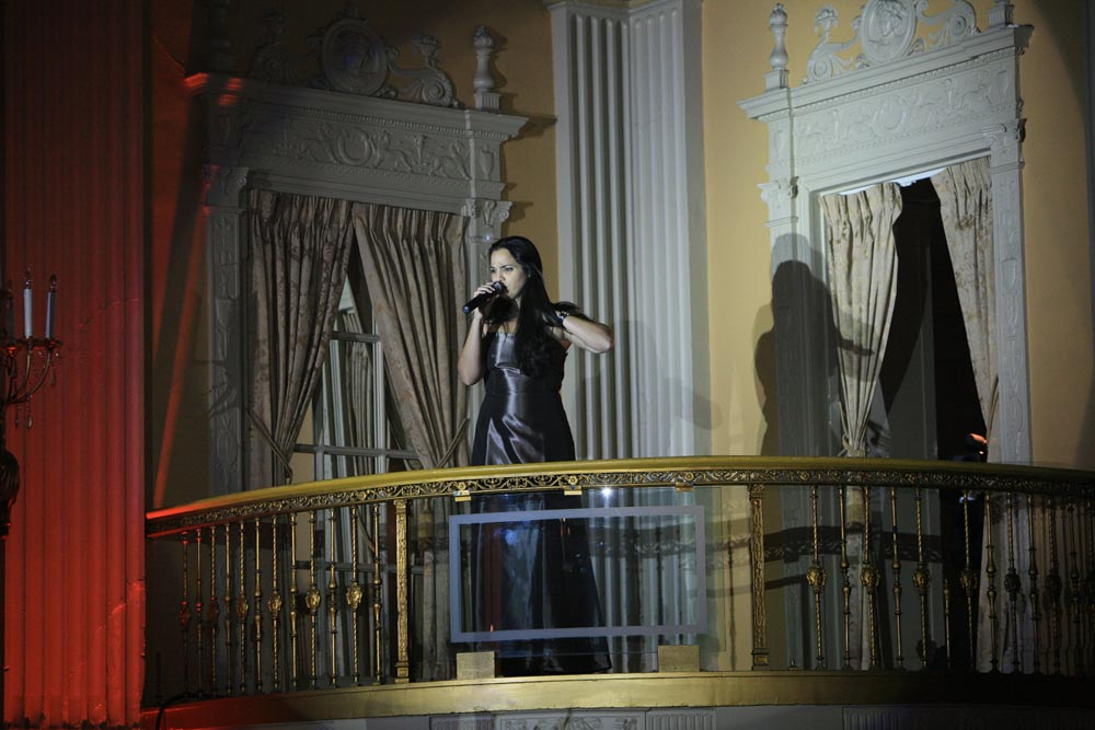 Opera-show-on-the-porch